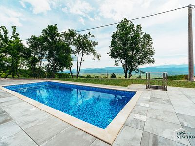 Photo for ctim290-Luxury villa with pool for 6+2 persons
