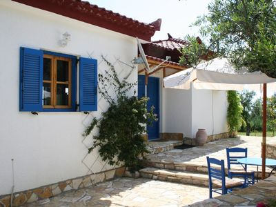 Photo for Enchanting cottage above the sea (air line 50 m) with view of the gulf