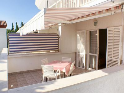 Photo for Two bedroom apartment near beach Novalja, Pag (A-4052-b)