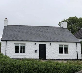 Photo for Beautifully renovated holiday cottage.