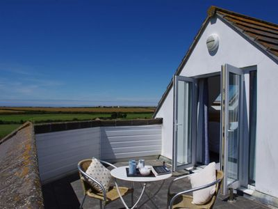 Photo for Apartment Golfer View in Newquay - 2 persons, 1 bedrooms