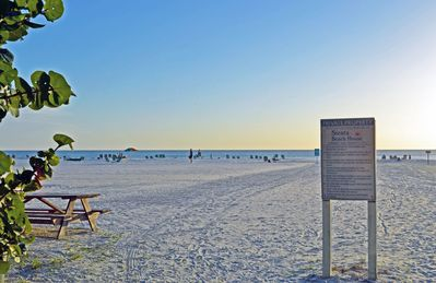 Photo for Enjoy the Siesta Key Beach Life to the fullest! Beach AND Pool Access