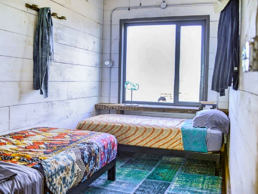 Flophouze Shipping Container Hotel Houze I Vrbo