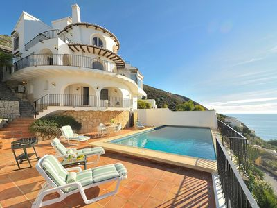 Photo for Wonderful private villa for 8 people with WIFI, private pool, A/C, TV and parking