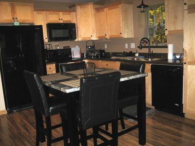 Eat-in kitchen with all new appliances