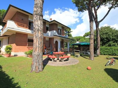 Photo for Vacation home Marcella in Forte dei Marmi - 9 persons, 5 bedrooms