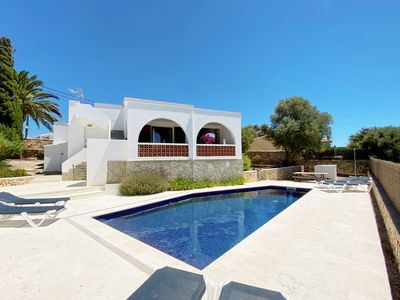 Photo for Villa with pool, 5 min walk to bars and restaurants, 10 min to beach, WIFI, AC