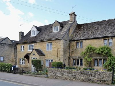 Photo for 2 bedroom property in Bourton-on-the-Water.