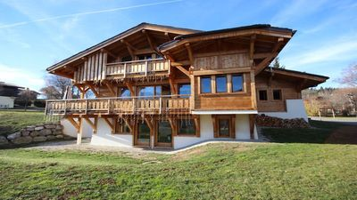Photo for Chalet with views of Mont Blanc, Jacuzzi, Sauna, Pool ...