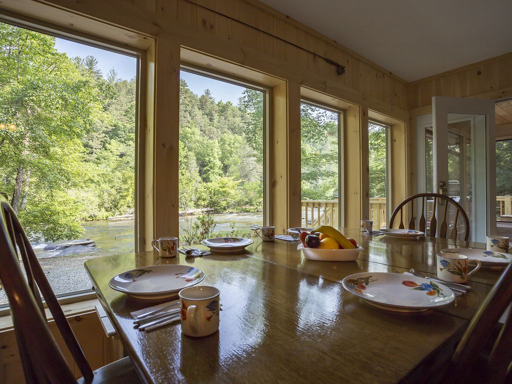 River Retreat On The Toccoa River Perfect For Family