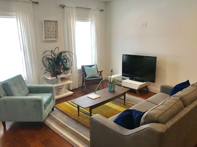Photo for Townhouse Track Rental! 1 mile from Broadway!