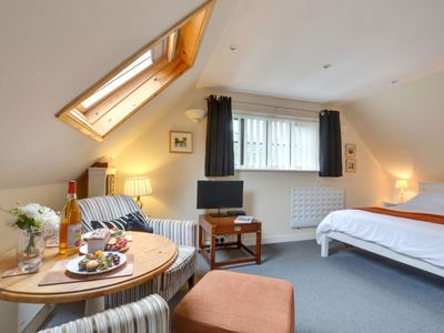Photo for 1BR Apartment Vacation Rental in Tenterden, England