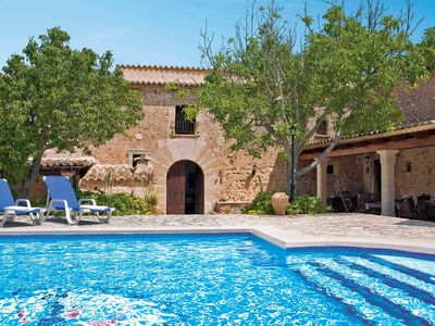 Photo for Converted farmhouse with free A/C, free Wi-Fi, private pool and BBQ