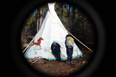 Guests going into Hummingbird tipi