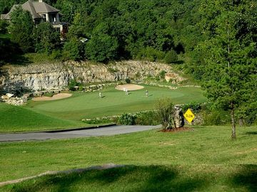 Branson-Stonebridge Village Condo on Ledgestone Golf Course