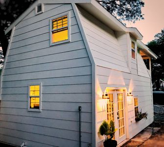 Photo for Two-story romantic Carriage House