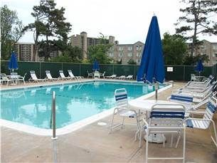 Photo for Walk to beach and town with NO TAXES! Community pool, EAST of RT 1 - 32 Sea Pines