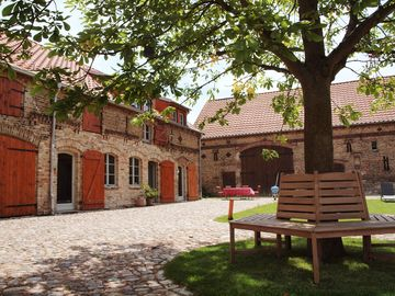 Farm holidays - quiet apartment with close to Potsdam and Berlin - Blue Apartment