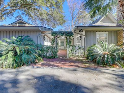 Photo for Enchanting 3 Bedroom Home on Lagoon in Palmetto Dunes! Easy Bike to Beach!