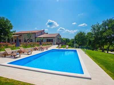 The newly renovated apartment with rustic details and common pool near Lim fjord