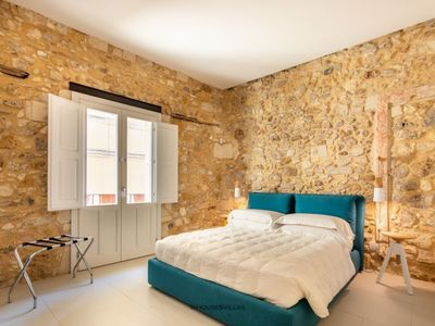 Photo for In Ortigia, recently renovated, air conditioning
