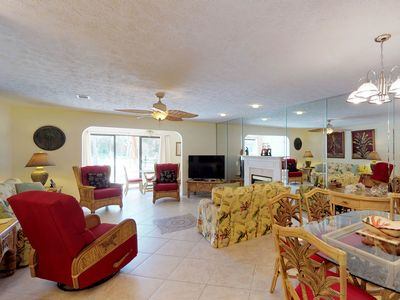 Photo for Conveniently located condo w/shared pool & tennis - on-site golf, walk to beach!