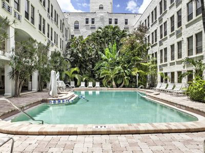 Photo for Cozy Palm Beach Condo w/ Pool - Walk to Beach!