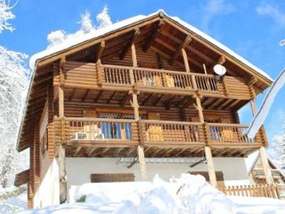 Photo for LARGE FINNISH CHALET, 10 PERS, 7 mins WALK FROM THE SLOPES, QUIET, AND COMFORT