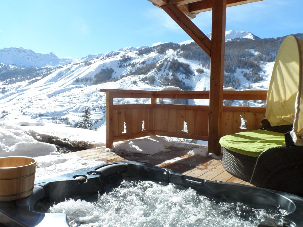 chalet view mountain and ski slopes swimming pool 876401