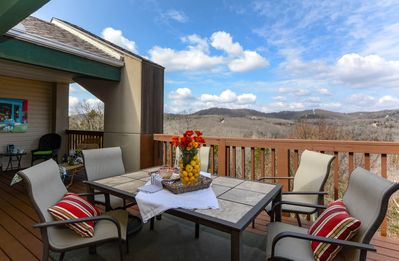 Photo for Closest Resort to Silver Dollar City - Outstanding Views and Deck!