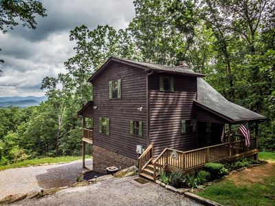 Photo for 🍁 Helen's Huckleberry Cabin - 📶WiFi, 🐶 friendly,💦 Hot tub, Fireplace, 🔥 pit