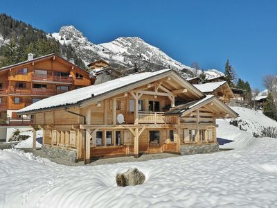 Photo for 5 Star 5 bed chalet for 13+, chimney, games room close to the slopes!