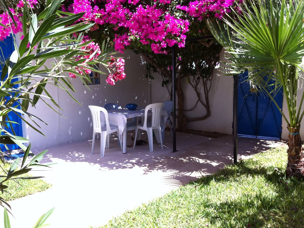 Djerba midoun belle villa au d cor raffin avec jardin for Decoration pelouse jardin