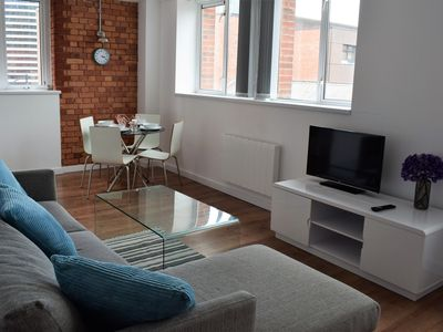 Photo for Beautifully Converted City Centre Apartment!