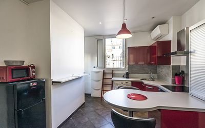 Photo for Very nice apt with terrace near VIEUX PORT
