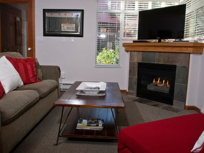Photo for Sunpath 1 bedroom, sleeps 4, Quiet setting just steps from the action!