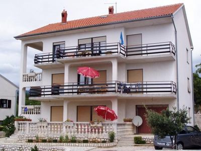 Photo for Holiday apartment on the outskirts with terrace, barbecue and Internet