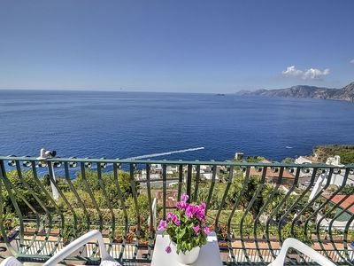 Photo for Villa Fulvia: A characteristic and welcoming apartment which faces the sun and the sea.
