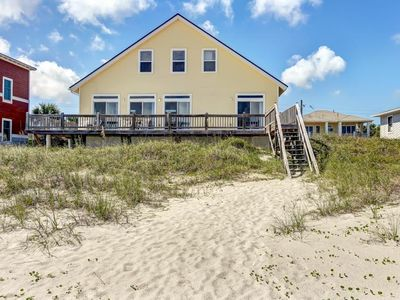 Oceanfront 3  bed/2 bath stilted, Oceanfront home sleeps 8.  Oceanview deck.  Linens provided.