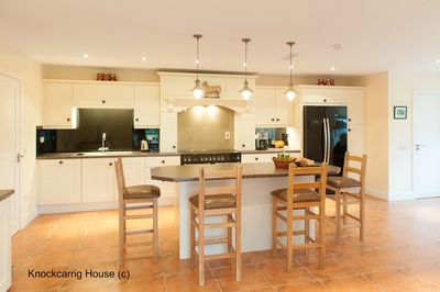 Cook up a storm in this spacious and well equipped kitchen