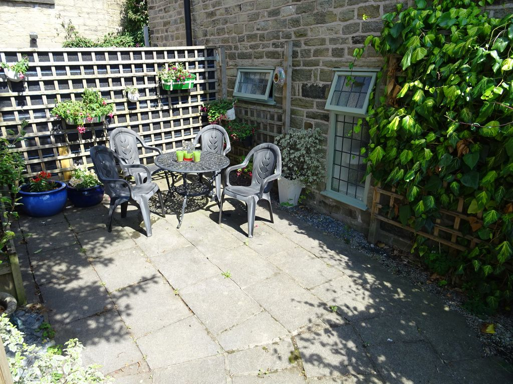 the glass house family friendly in bollington 8233591