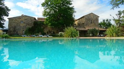 Photo for MAS PROVENÇAL, VERY LARGE SWIMMING POOL near AVIGNON for 15 to 23 people