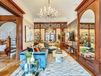 Photo for Stayloom's Dazzling Luxe Brownstone | 5 min to A/C