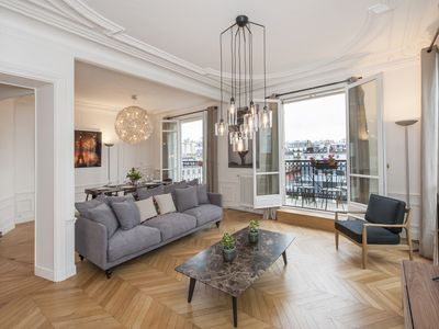 Photo for Brand new 2017 3 BR in St-Germain with rooftop view - Facing Marché St-Germain
