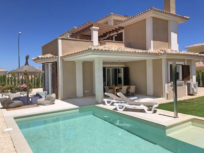Photo for Villa for 6 persons, with pool, air conditioning, near the beach