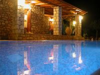 Lovely rustic villa in beautiful olive grove setting