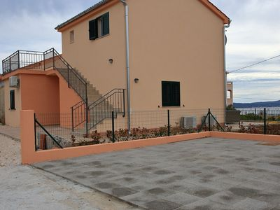 Photo for Newly built holiday home in a quiet area, 2 spacious sea view terraces, parking