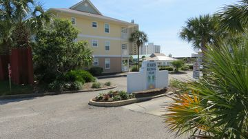 St. Martin Beachwalk Villas (Destin, Florida, United States)
