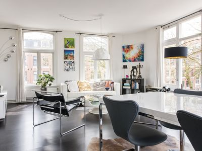 Photo for Stylish 2 Bedroom Apartment With Canal Views