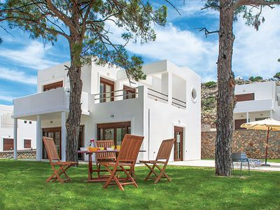 Photo for Spacious villa near popular resort includes shady gardens, pool and Wi-Fi
